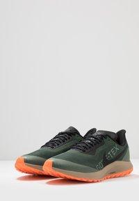 Nike Performance - ZOOM PEGASUS 36 TRAIL GTX - Chaussures de running - galactic jade/black/juniper fog/khaki - 2