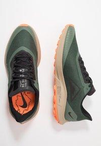 Nike Performance - ZOOM PEGASUS 36 TRAIL GTX - Chaussures de running - galactic jade/black/juniper fog/khaki - 1