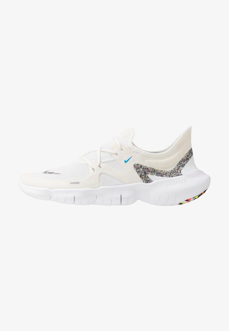 Nike Performance - FREE RUN 5.0 ANTI WINTER - Zapatillas running neutras - white/blue hero/summit white