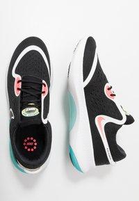 Nike Performance - JOYRIDE DUAL RUN - Hardloopschoenen neutraal - black/metallic summit white/hot punch - 1