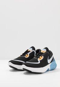 Nike Performance - JOYRIDE DUAL RUN - Juoksukenkä/neutraalit - black/football grey/white/laser orange/university blue/dark smoke grey - 2