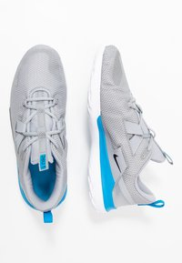 Nike Performance - RENEW ARENA SPT - Scarpe running neutre - wolf grey/black/white/blue hero - 1