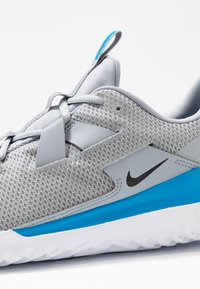 Nike Performance - RENEW ARENA SPT - Scarpe running neutre - wolf grey/black/white/blue hero - 5