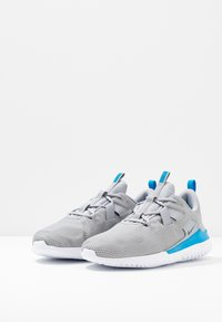 Nike Performance - RENEW ARENA SPT - Zapatillas de running neutras - wolf grey/black/white/blue hero - 2