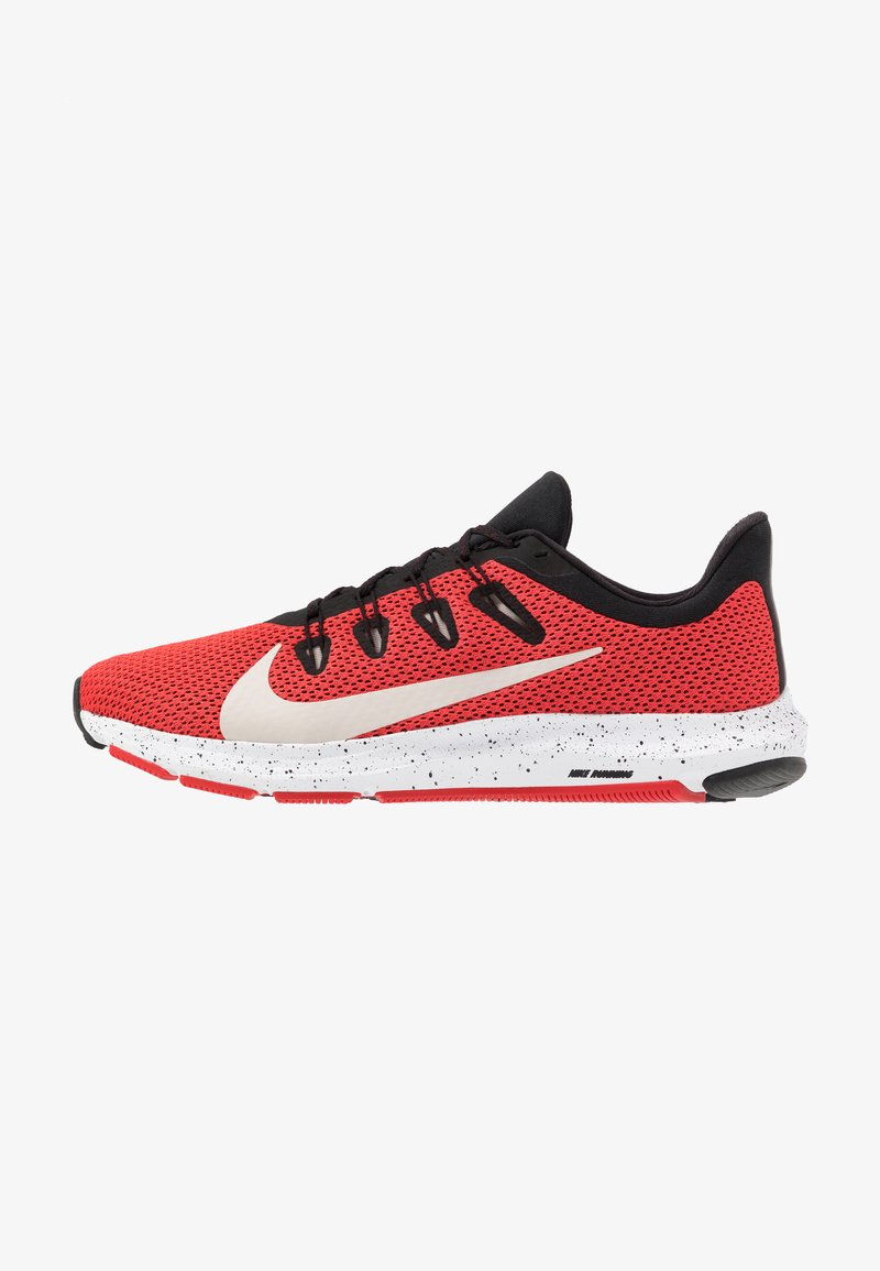 Nike Performance - QUEST 2 SE - Zapatillas de running neutras - universe red/desert sand/black/white