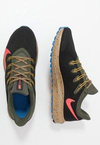 Nike Performance - QUEST 2 SE - Neutral running shoes - off noir/bright crimson/cargo khaki - 1