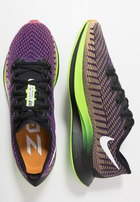 Nike Performance - ZOOM PEGASUS TURBO 2 WILD RUN - Löparskor för tävling - black/green/orange/purple - 1