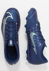 Nike Performance - MERCURIAL VAPOR 13 CLUB FG/MG - Voetbalschoenen met kunststof noppen - blue void/metallic silver - 1
