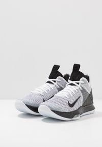 Nike Performance - LEBRON WITNESS IV - Obuwie do koszykówki - white/black - 2