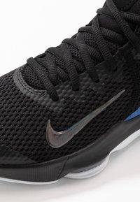 Nike Performance - LEBRON WITNESS IV - Koripallokengät - black/clear/hyper cobalt - 5