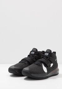 Nike Performance - AIR FORCE MAX II - Indoorskor - black/white - 2