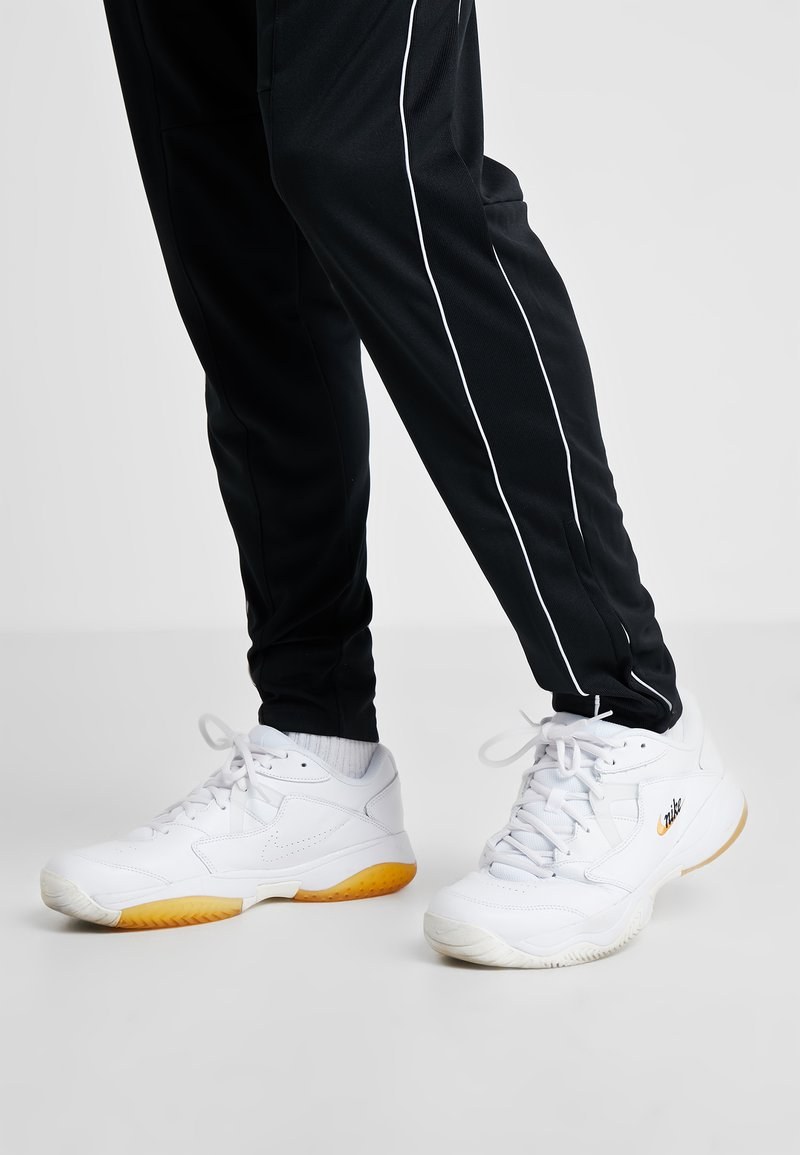 Nike Performance - COURT LITE 2 PRIME QUICK STRIKE - Multicourt tennis shoes - white/amber rise