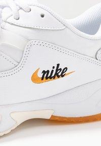 Nike Performance - COURT LITE 2 PRIME QUICK STRIKE - Multicourt tennis shoes - white/amber rise - 2