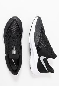 Nike Performance - ZOOM WINFLO 6 - Zapatillas de running neutras - black/white/dark grey/metallic platinum - 1