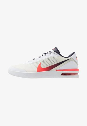 NIKECOURT AIR MAX VAPOR WING MS - Chaussures de tennis toutes surfaces - white/laser crimson/gridiron
