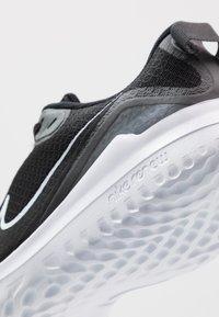 Nike Performance - RENEW RIDE - Nøytrale løpesko - black/white/dark smoke grey - 5
