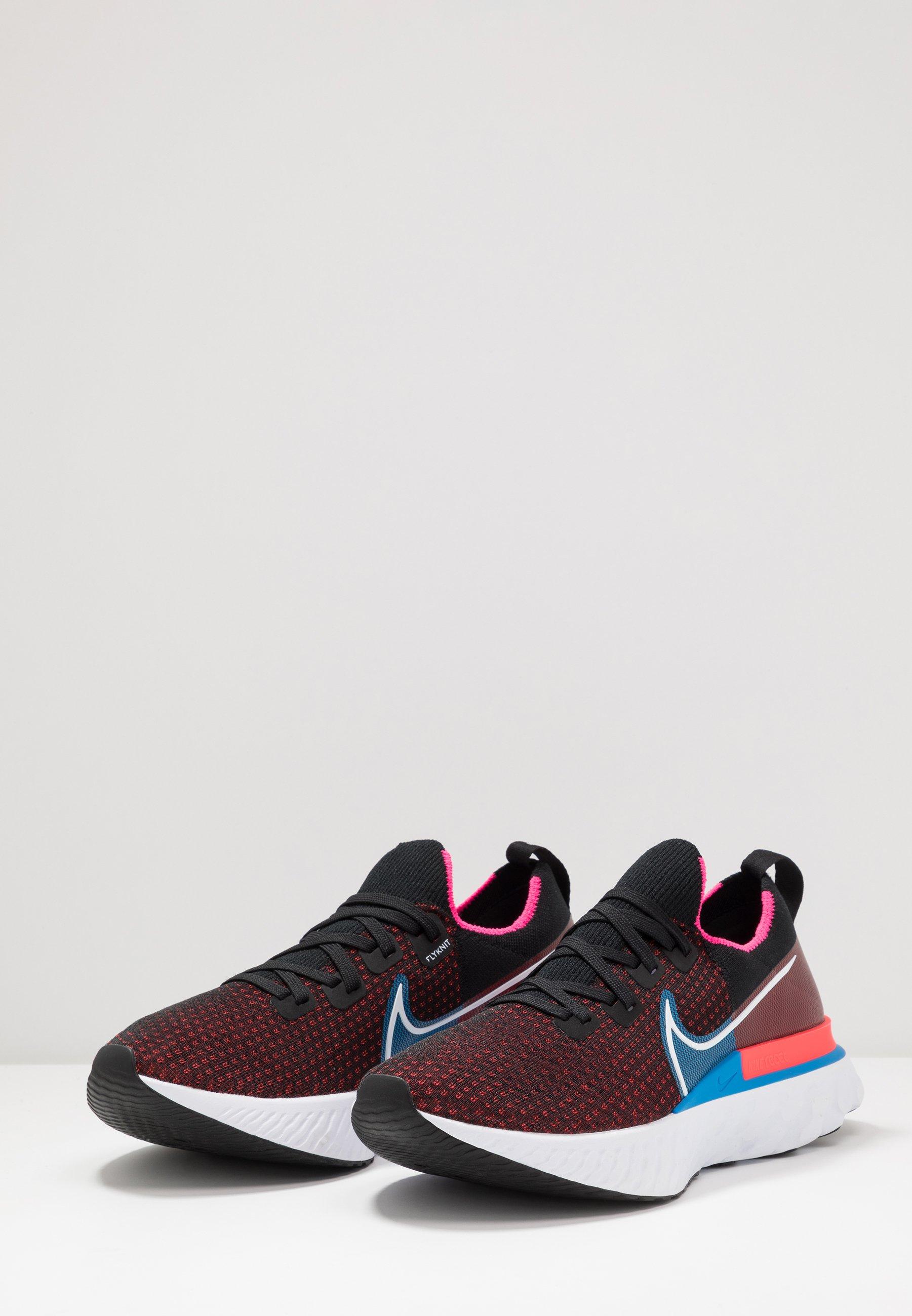 Nike Performance REACT INFINITY RUN FLYKNIT - Neutrala löparskor - black/white/red orbit/photo blue/pink blast