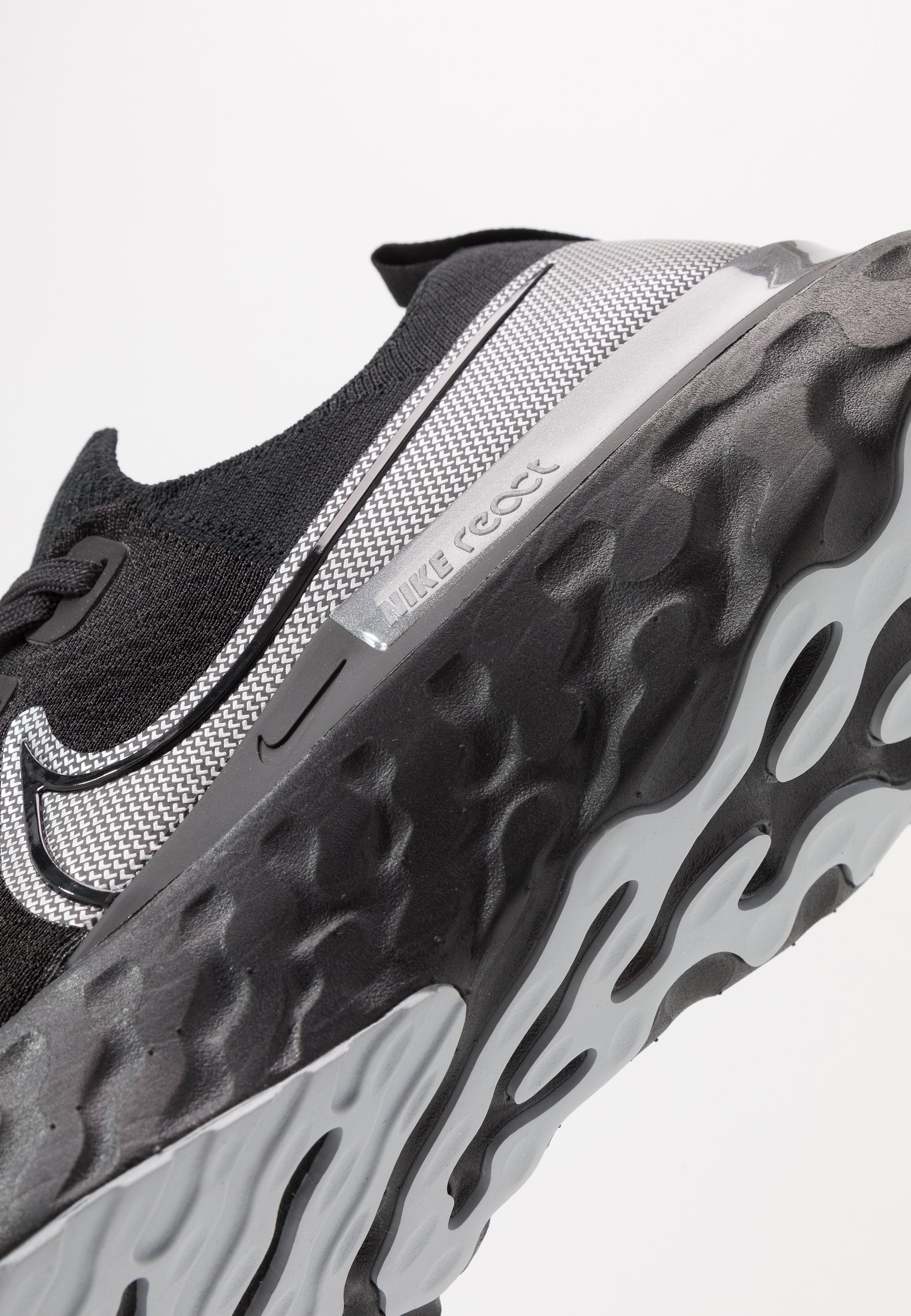 Nike Performance React Infinity - Laufschuh Neutral Black/metallic Silver/dark Grey Black Friday
