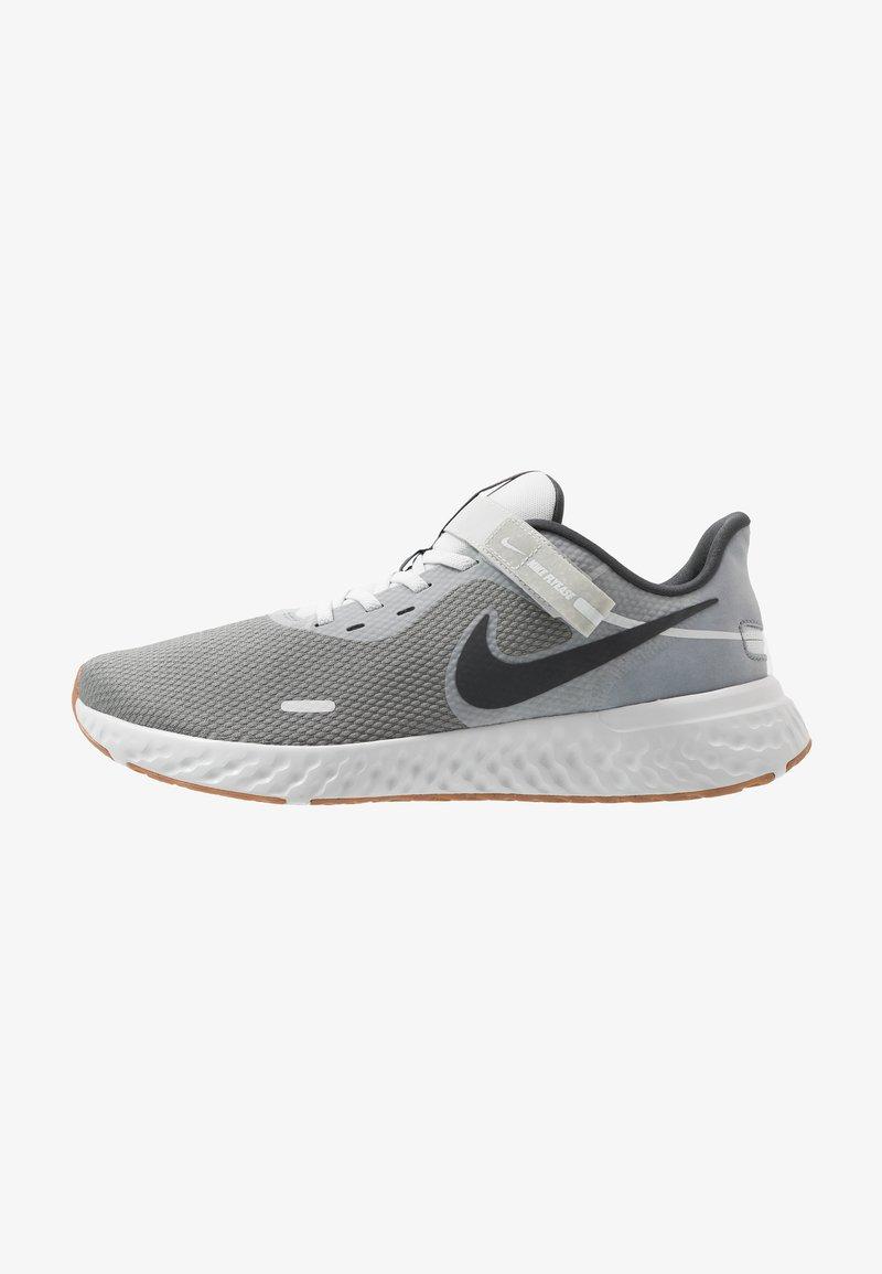 Nike Performance - REVOLUTION 5 FLYEASE - Zapatillas de running neutras - smoke grey/dark smoke grey/photon dust/metallic copper/medium brown