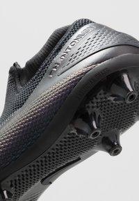 Nike Performance - PHANTOM VISION 2 PRO DF AG-PRO - Voetbalschoenen met kunststof noppen - black - 5
