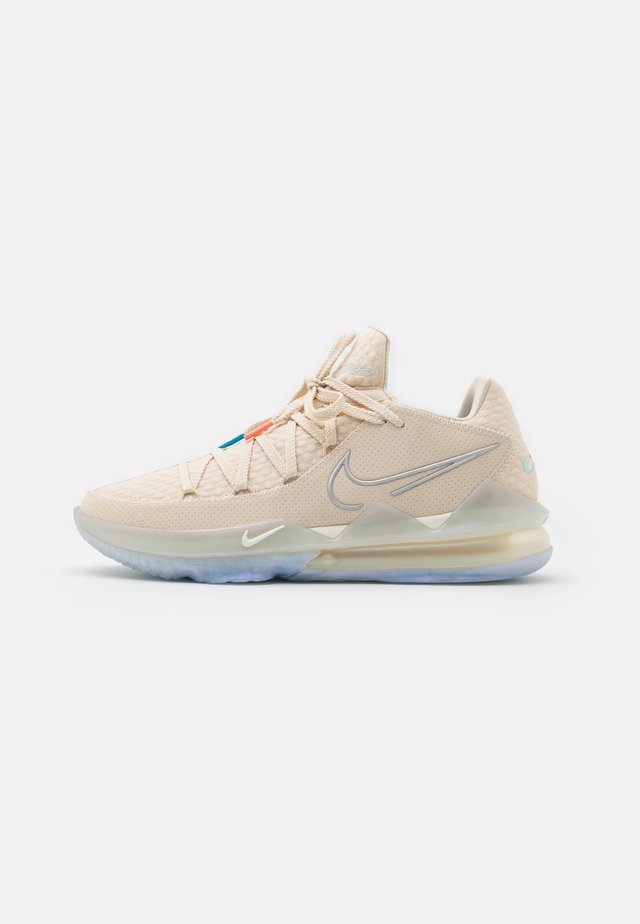 LEBRON XVII LOW - Basketballsko - light cream/multicolor