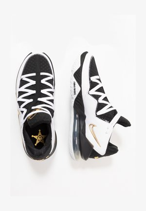 LEBRON XVII LOW - Basketbalové boty - white/metallic gold/black