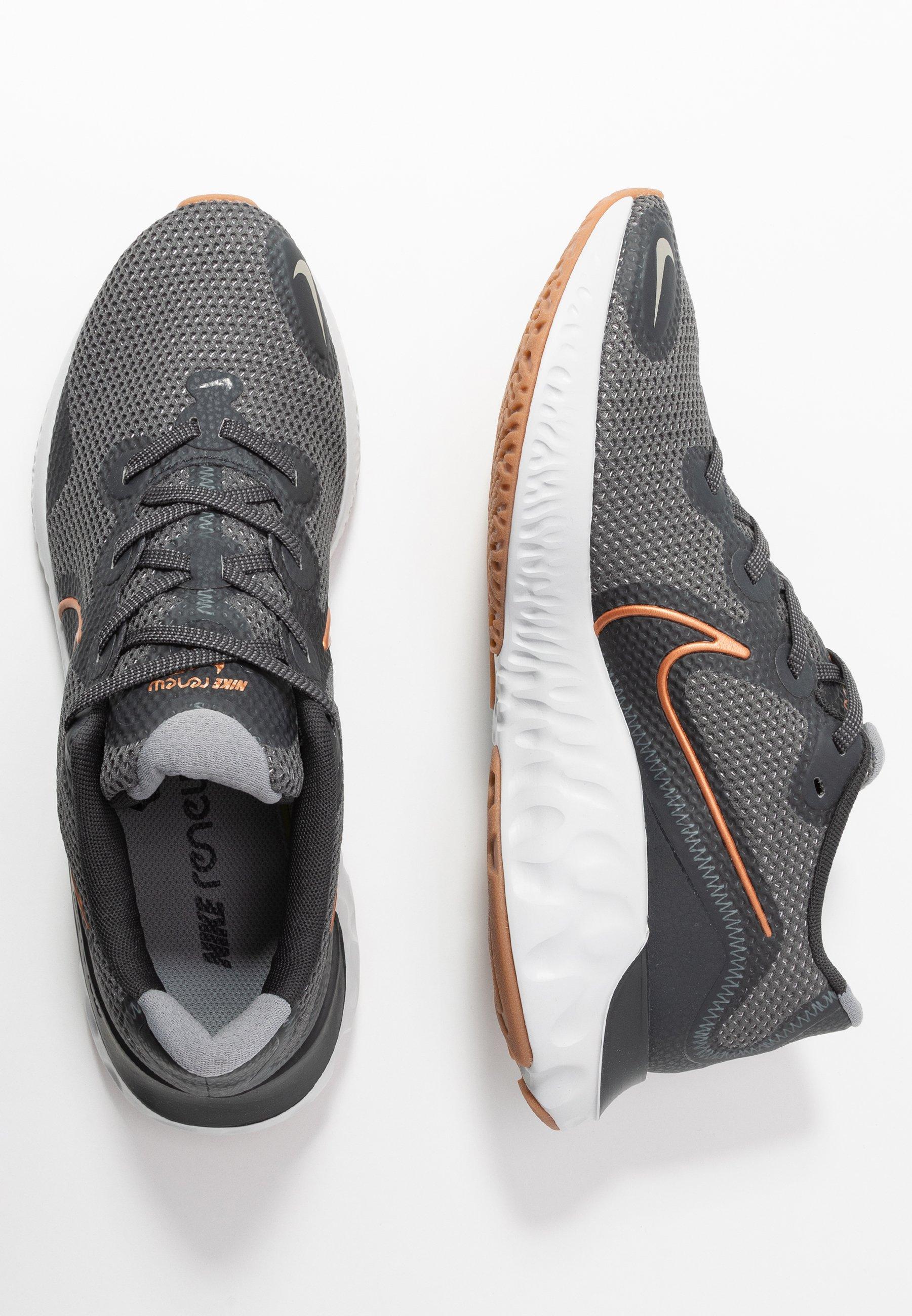 Nike Performance Renew - Hardloopschoenen Neutraal Iron Grey/metallic Copper/dark Smoke Grey/particle Grey/photon Dust/medium Brown Goedkope Schoenen