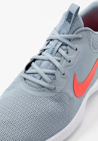 Nike Performance - FLEX EXPERIENCE RUN 9 - Competition running shoes - obsidian mist/bright crimson - 5