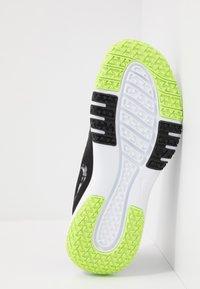 Nike Performance - FLEX CONTROL 4 - Sports shoes - black/smoke grey/ghost green/photon dust/sapphire - 4