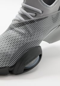 Nike Performance - AIR ZOOM SUPERREP - Sports shoes - smoke grey/dark smoke grey/black - 5