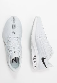 Nike Performance - AIR ZOOM PEGASUS 36 - Juoksukenkä/neutraalit - pure platinum/black/white - 1