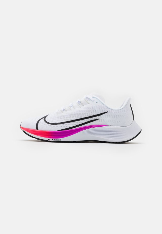 AIR ZOOM PEGASUS 37 - Neutral running shoes - white/flash crimson/hyper violet