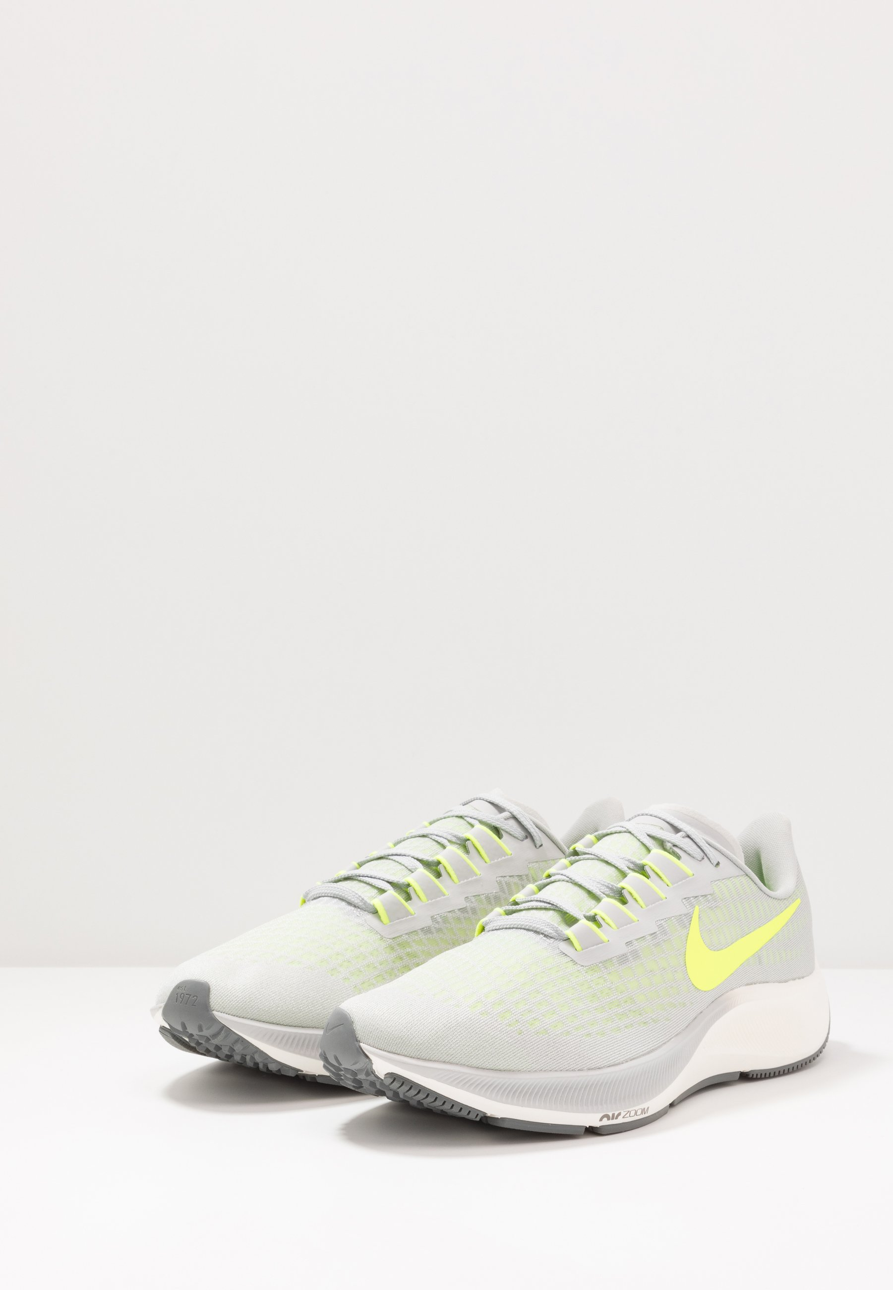 AIR ZOOM PEGASUS 37 Chaussures de running neutres grey fogvoltsmoke greysail