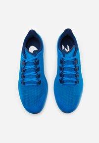 Nike Performance - AIR ZOOM PEGASUS 37 - Neutral running shoes - photo blue/blue void/white - 3