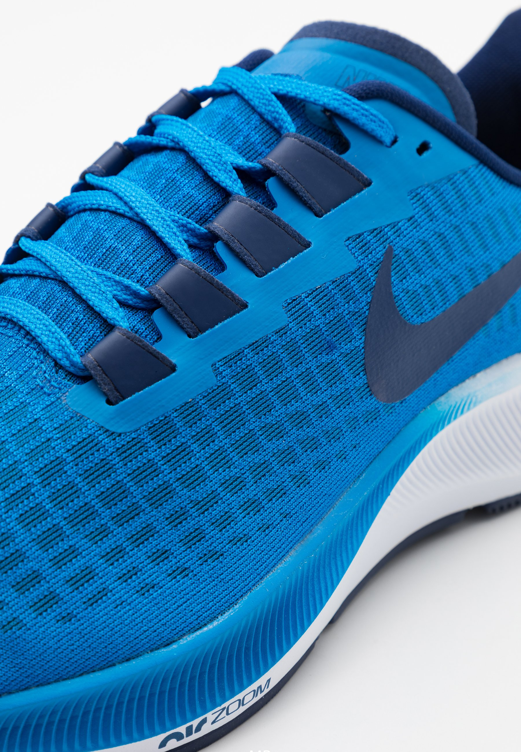 AIR ZOOM PEGASUS 37 Chaussures de running neutres photo blueblue voidwhite