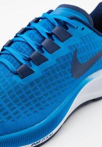 Nike Performance - AIR ZOOM PEGASUS 37 - Neutral running shoes - photo blue/blue void/white - 5