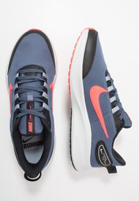Nike Performance - RUNALLDAY 2 - Juoksukenkä/neutraalit - diffused blue/laser crimson/black - 1