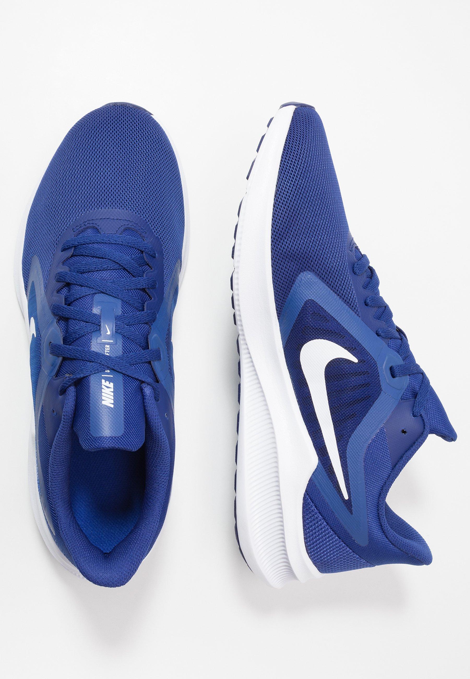 DOWNSHIFTER 10 Chaussures de running neutres deep royal bluewhitehyper blue