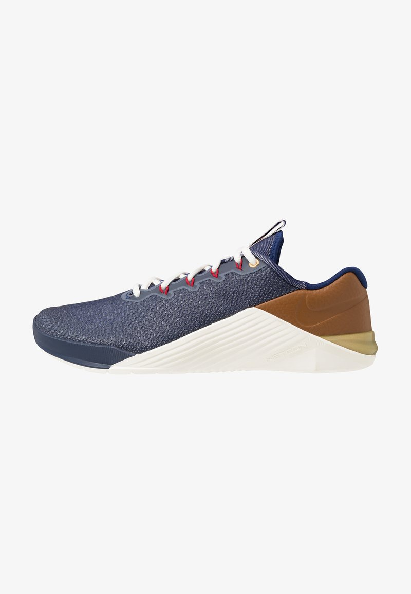 Nike Performance - METCON 5 AMP - Treningssko - blue void/gym red/sail/pollen rise