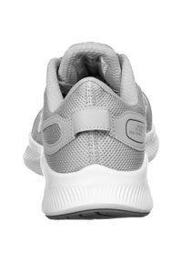 Nike Performance - RUNALLDAY - Zapatillas running neutras - wolf grey/white /dark grey - 3