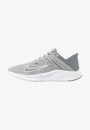 QUEST 3 - Obuwie do biegania treningowe - light smoke grey/smoke grey/white