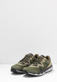Nike Performance - JUNIPER TRAIL - Obuwie do biegania Szlak - tent/off noir/life lime/yukon brown - 2