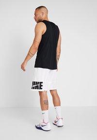 Nike Performance - CROSSOVER - Sportshirt - black/white - 2