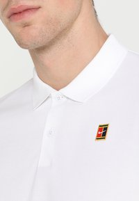 Nike Performance - HERITAGE - Polo - white - 5