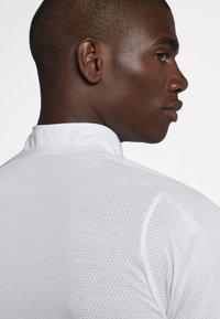 Nike Performance - Sportshirt - white - 5