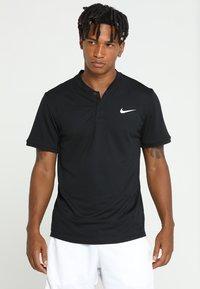 Nike Performance - DRY POLO BLADE - T-shirt imprimé - black/white - 0