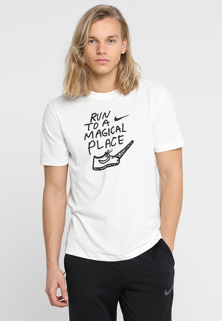 Nike Performance - ARTIST DFC GRAPHIC NATHAN BELL - T-shirt con stampa - sail
