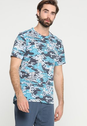 WILD RUN BREATHE RISE - Print T-shirt - light blue fury/reflective silver