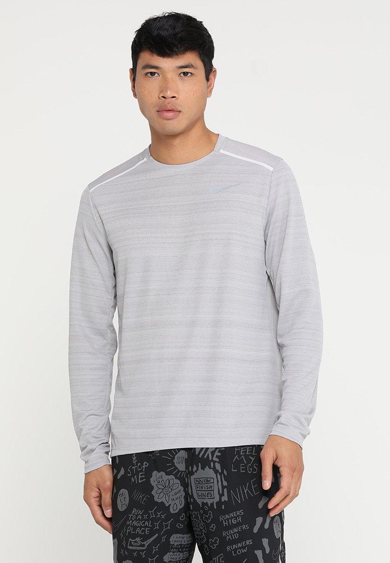 Nike Performance - DRY MILER - Sports shirt - atmosphere grey/heather/vast grey/silver