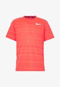 Nike Performance - DRY MILER - Basic T-shirt - laser crimson/reflective silver - 3
